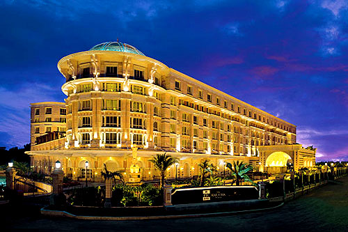 Accommodation choices in mumbai for every traveler india for Five star hotel