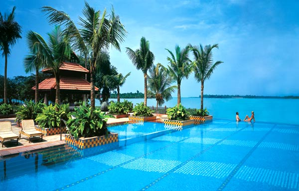 Hotels Near Kochi Airport Kerala